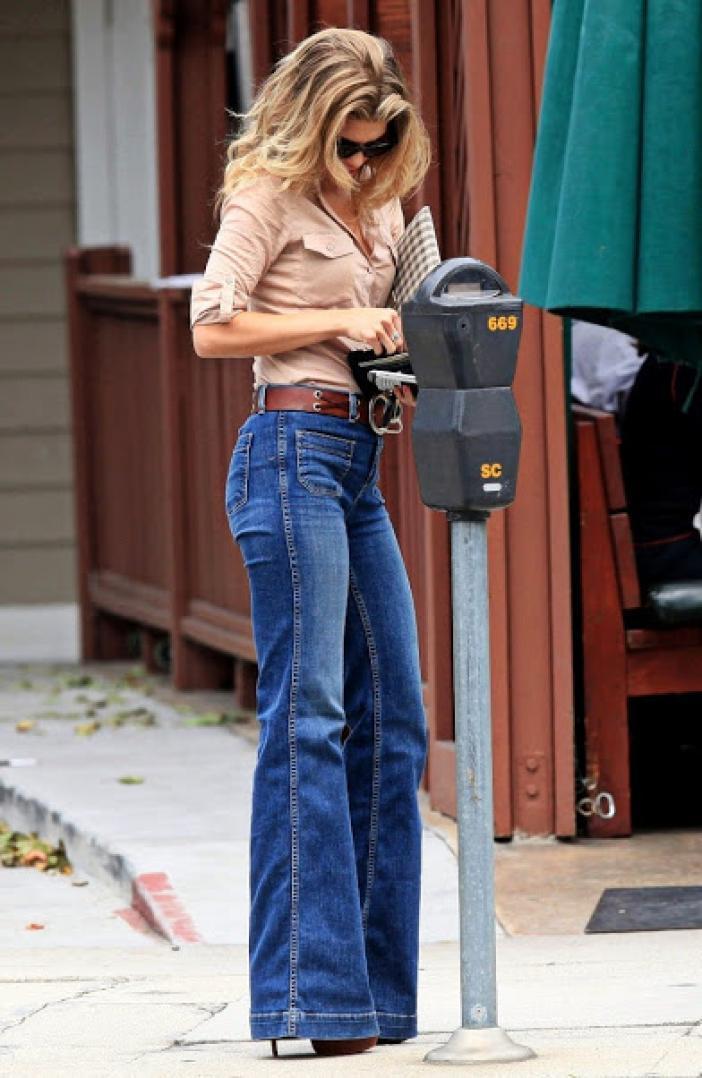 Які рвані джинси зараз в моді. Яка взуття підійде до бойфрендам e72746d3af483