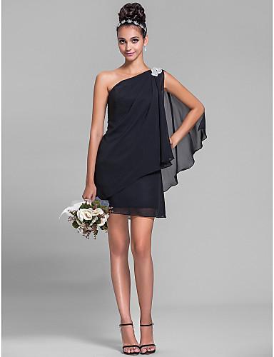 c9a5e57a83f44d Таким жінкам слід підходити до вибору сукні на одне плече дуже обережно.  Необхідно вибрати сукню з міцної бретелей, щоб забезпечити додаткову  підтримку.