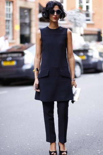 Не менше вдалі образи з вузькими брюками можна створити і з сукнями  А-образного силуету або сукнями з легкого пластичного d8fa2de0dbf6f