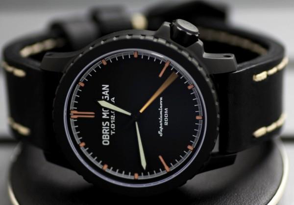 987f7f8f7 Kvalita je často výrazne vyššia ako ostatné čínske luxusné hodinky. Náklady  od 9 do 15 tisíc rubľov.