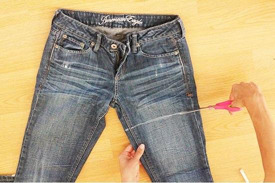 Для визначення оптимальної довжини рекомендується здійснити примірку джинс.  Коли точна довжина шорт буде визначена 2931dce2a8f2b