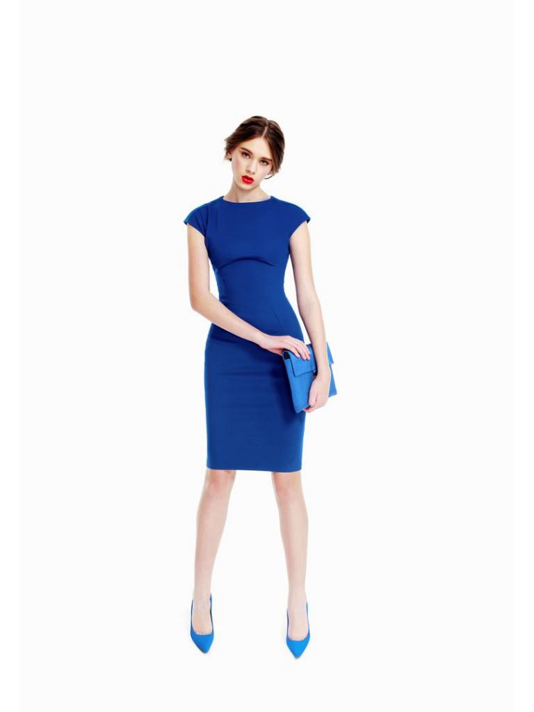 Темно синє пряме плаття з чим носити. Підбираємо аксесуари до ... a0cd323378ee7