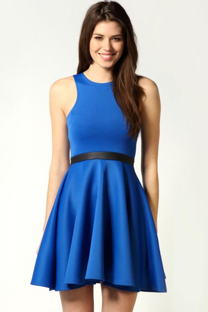 Якщо руденькій або білявою дівчині теж припало до смаку плаття кольору  індиго 51946ef84c781