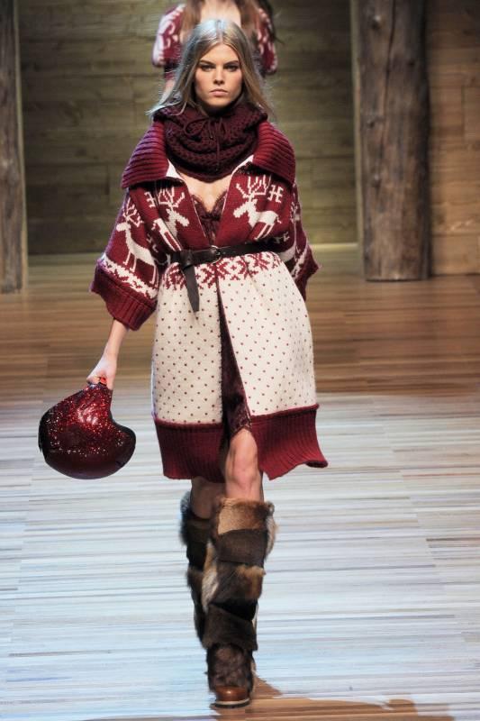 Джемпер жіночий в язаний. В язані пуловери спицями a113a7868a5b5